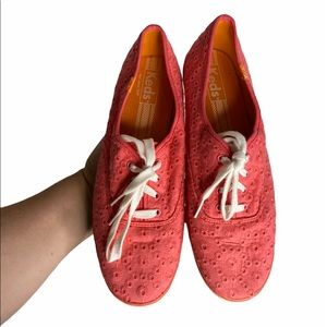Keds pink eyelet lace low top sneakers